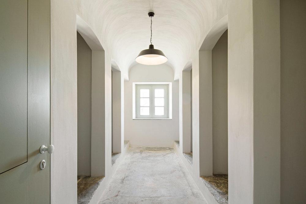 sao-lourenco-do-barrocal-eduardo-souto-de-moura-architecture-hotels-portugal_dezeen_2364_col_3.jpg