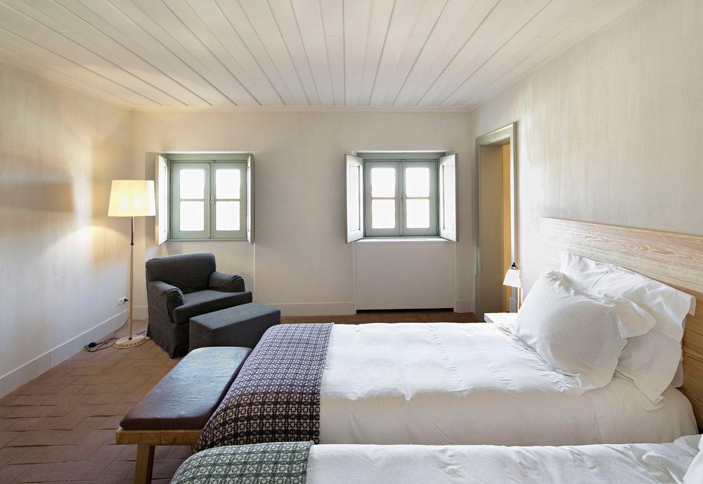 sao-lourenco-do-barrocal-eduardo-souto-de-moura-architecture-hotels-portugal_dezeen_2364_col_13.jpg