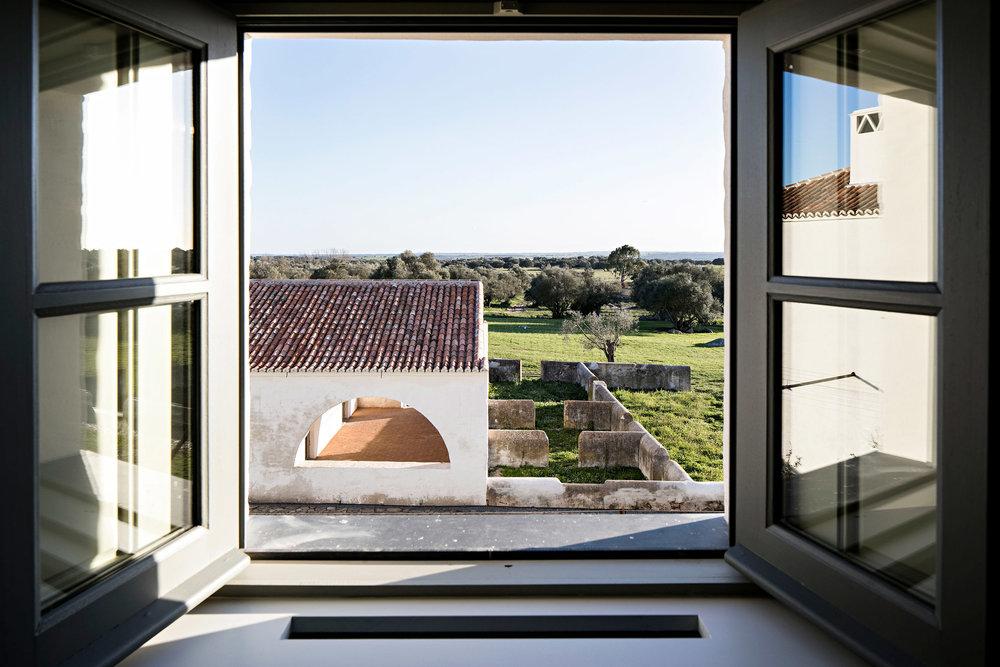 sao-lourenco-do-barrocal-eduardo-souto-de-moura-architecture-hotels-portugal_dezeen_2364_col_16.jpg