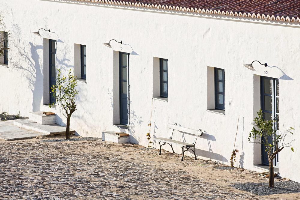 sao-lourenco-do-barrocal-eduardo-souto-de-moura-architecture-hotels-portugal_dezeen_2364_col_19.jpg