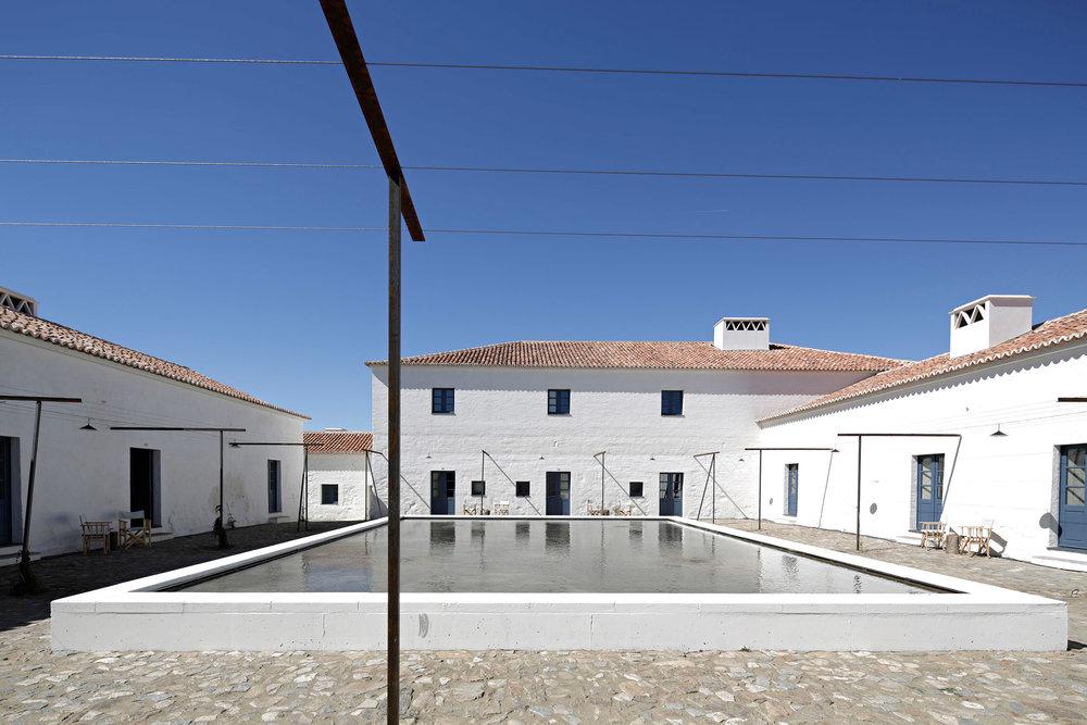 sao-lourenco-do-barrocal-eduardo-souto-de-moura-architecture-hotels-portugal_dezeen_2364_col_26.jpg