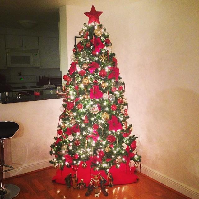 Y al fin en nuestro arbolito!!! Ya llego la navidad!!! 🎁🎅🎄🎉🎄🎅🎁