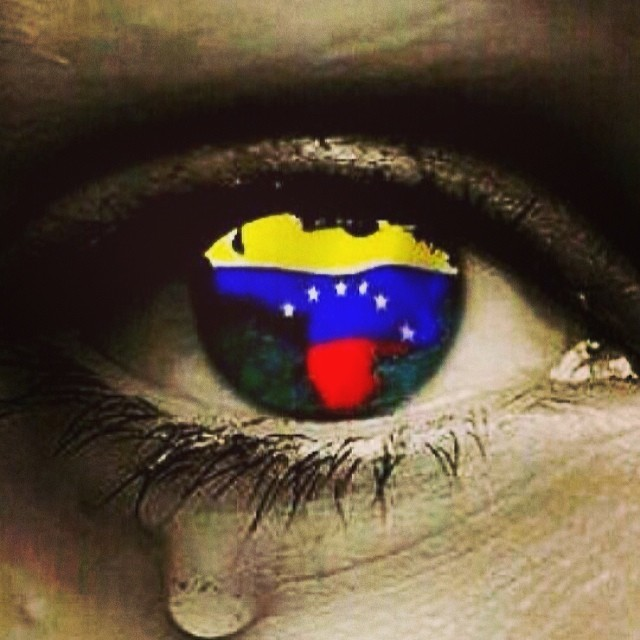 Como me dueles Venezuela… Pero mas me duele estarte perdiendo!!! 😫 #soyvenezolano #venezuelateextrano #venezuelatequierolibre #lasalida #llegolahora #12f #2f #comomeduelesvenezuela