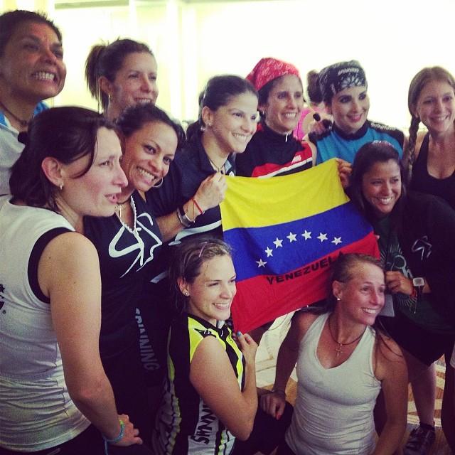 Venezuela presente con la MI Janine!!! 😎 #riniemarin #spinning #spinningmiami #ofcourseyoucan #keepgoing #run #running #runmiami #roadbike #roadbikemiami #bike #bikemiami #duathlon #triathlonrelay #wssc14 #wssc14 #wssc15th (at WSSC)