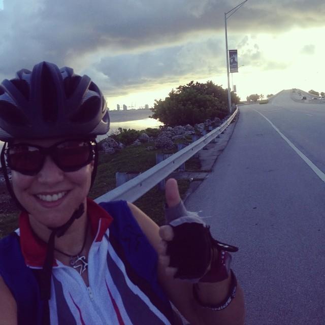 Bye bye #keybiscaynebridge!!! See you this SUNDAY at triathlon trilogy Relay!!! With my TEAM 360eim @tatinarincon @adrianatineo 😎  www.riniemarin.com  #riniemarin #spinning #spinningmiami #run #running #runmiami #keepgoing #ofcourseyoucan #yesoryes #bike #bikemiami #roadbike #roadbikemiami #duathlon #triathlonrelay #duathlonmiami #triathlonrelaymiami #brickell #brickellliving #spinninginbrickell #coralgables #coralgablesliving #spinningincoralgables  (at Rickenbacker Causeway)