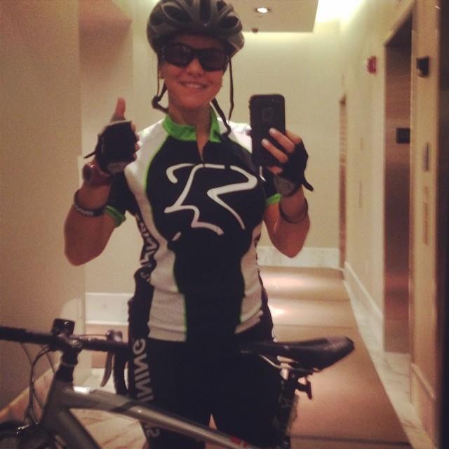 I'm ready to continue my day 😎 Estoy lista para continuar con mi dia!!! 😎  www.riniemarin.com  #riniemarin #spinning #spinningmiami #run #running #runmiami #roadbike #roadbikemiami  #revistacorposano #keepgoing #ofcourseyoucan #duathlon #triathlonrelay #yesoryes #bike #bikemiami #ndurnz #coralgablesathleticclub #360eim