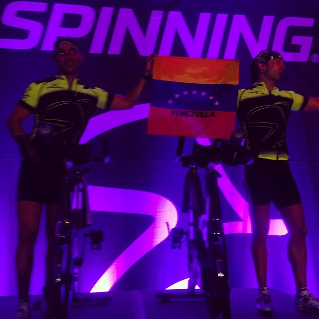 Los Master Instructors de Chile… Con la Bandera de Venezuela!!! Gracias!!! 😎 #riniemarin #spinning #spinningmiami #ofcourseyoucan #keepgoing #run #running #runmiami #roadbike #roadbikemiami #bike #bikemiami #duathlon #triathlonrelay #wssc14 #wssc14 #wssc15th (at WSSC)