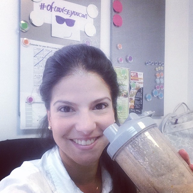 A litter late… But, This's my first breakfast: Protein Shake with oats!!! yummy!!! 😎 Un poco tarde… Pero, este es mi primer desayuno: Batido de Proteina con avena!!! Yummy!!! 😎 #riniemarin #spinning #spinningmiami #ofcourseyoucan #keepgoing #run #running #runmiami #roadbike #roadbikemiami #bike #bikemiami #duathlon #triathlonrelay #wssc14 #wssc14 #360eim