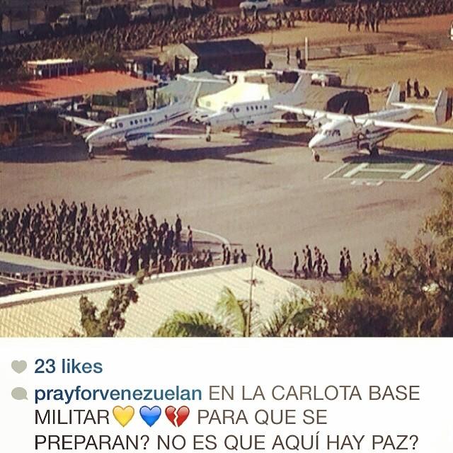 Ahhhhh desgraciados!!!! Porque no pueden con la juventud Venezolana te vienes a resguardar detraz de una cuerda de militares de OTRO PAIS para irlos a amedrentar como sea…. Pues NO y NO y NO ME DA LA GANA…. OTRA DICTADURA IGUALITA A LA CUBANA!!! 😡😡😡 #lasalida #llegolahora #laluchasigue #venezuelacomoteextrano #venezuelatequierolibre #comomeduelesvenezuela #soyvenezolano #sosvenezuela #prayforvenezuela #elquesecansapierde
