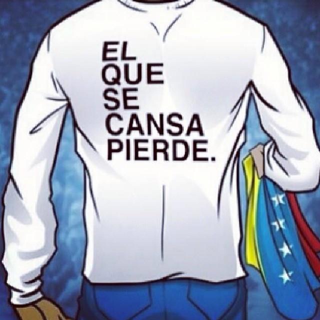 Por Leopoldo, por todos los estudiantes y por la justicia de quienes perdieron la vida por esta lucha… NO TE RINDAS!!! EL QUE SE CANSA PIERDE!!! #lasalida #llegolahora #laluchasigue #venezuelacomoteextrano #venezuelatequierolibre #comomeduelesvenezuela #19f #soyvenezolano #sosvenezuela #prayforvenezuela #elquesecansapierde