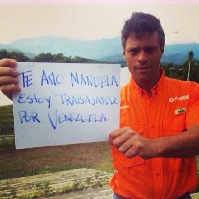 Sin palabras… No es un político únicamente… Es un hijo, esposo, un padre y un venezolano que esta luchando con nosotros por VENEZUELA!!! #lasalida #llegolahora #laluchasigue #venezuelacomoteextrano #venezuelatequierolibre #comomeduelesvenezuela #2f   #12f #13f #14f #15f #16f #17f #sosvenezuela #soyvenezolano #prayforvenezuela