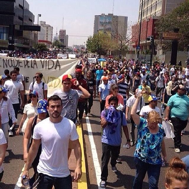 Maracaibo presente!!! #14f   #13f #12f #2f #lasalida #llegolahora #laluchasigue #venezuelatequierolibre #venezurlacomoteextrano #sosvenezuela #soyvenezolano #prayforvenezuela