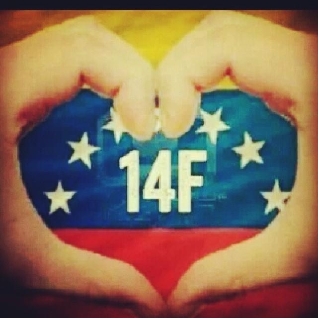 Hoy tu cita es con Venezuela tambien!!!  Que mejor dia para demostrar el amor que sientes por tu pareja… Tus amigos… Tu familia… Tu Pais!!! Estaras dandole el mejor regalo que puede existir!!! El luchar por vivir en paz, alegria y amor con los seres que amas… En el Pais que quieres!!! Creeme eso no tiene precio… Que te lo digo yo 😞!!! #lasalida #llegolahora #laluchasigue #venezuelatequierolibre #venezurlacomoteextrano #comomeduelesvenezuela #14f #13f #12f #2f #soyvenezolano #sosvenezuela #prayforvenezuela @venezolanosenmiami @venezuelalucha