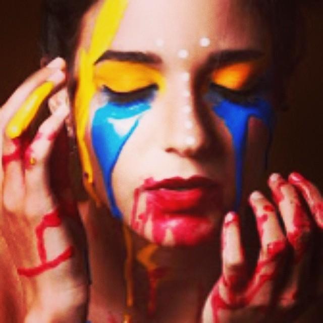 No puedo con la frustración de ver como quieren amedrentar la voluntad de la mayoría a punta de armas de fuego y de golpes… Que impotencia siento… Rabia… Las tienen que pagar todas…!!! #soyvenezolano #venezuelateextrano #venezuelatequierolibre #lasalida #llegolahora #12f #2f