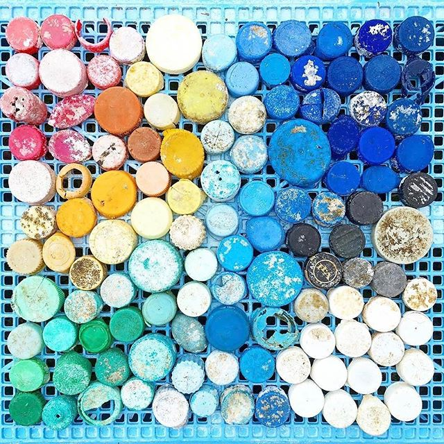 #Repost @nurdleintherough ・・・ I like to see how many of one thing I can pick up in 30 min as I clean the beach. Bottle caps are by far one of the most prevalent plastic polluters. I collected 199 in 30 minutes. Please consider refilling bottles you already have, or avoiding beverages in plastic bottles. Next time you are deciding between can and bottle, think of your friend over in Hawaii, picking up all these caps. If you have a second today, remember to vote for Nurdle 💙 the link is in my profile! Thank you!