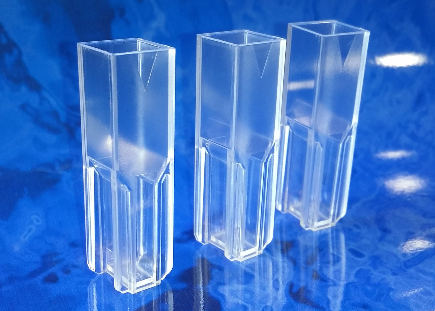 Type 9P Semi-Micro Disposable Cuvettes (Lightpath: 10mm) — FireflySci  Cuvette Shop