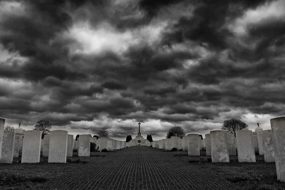 ypres tyne cot_low key i think for top then high structure bottom.jpg