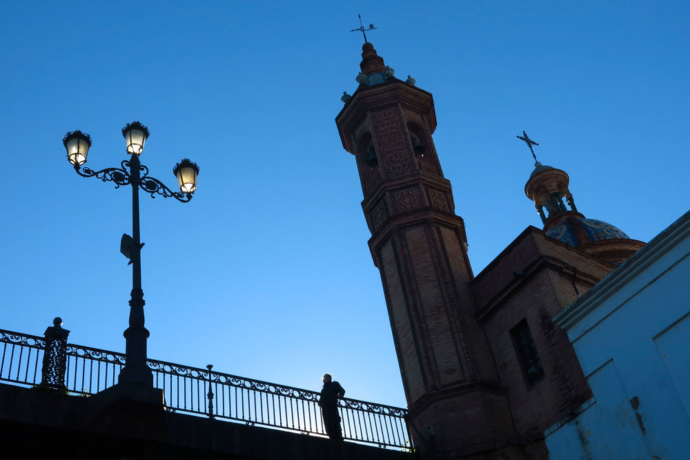 20150101_Spain_5054_Seville_walk_bridge.jpg