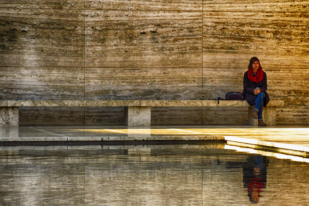 20150108_Spain_1770_Barcelona_Montjuic_reflections.jpg