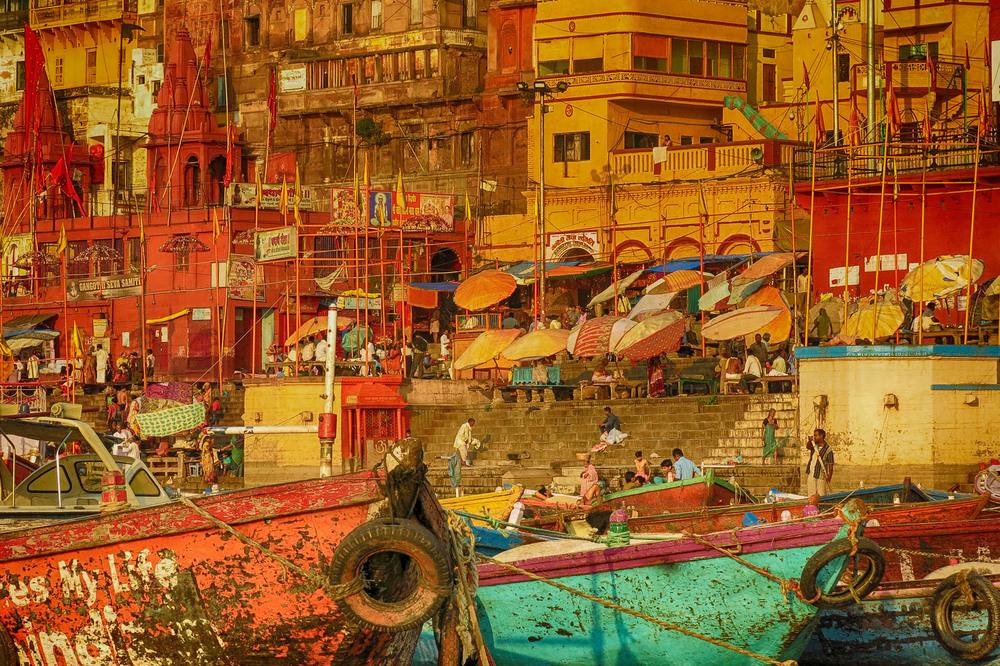 IMG_4018_Varanassi boats 3.jpg