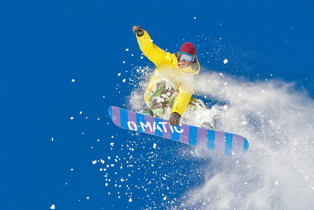 JA-072909-SNOWBOARD--16.jpg