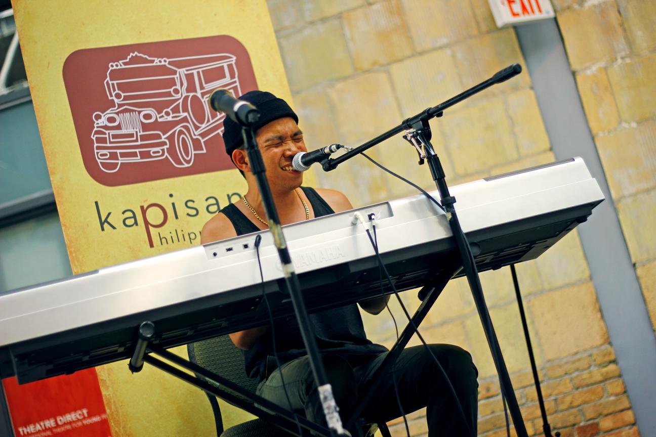 Sean Blackthorn performing at Kultura 2012