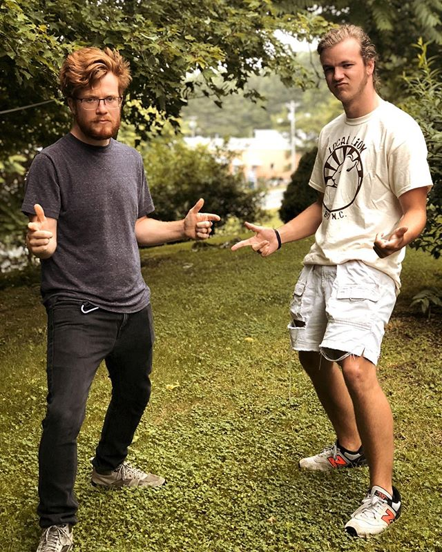 Mean muggin so we forget about how sad we are that @wadewalker_ is leaving Boone. Wade's the chillest son of a gun this side of the Mason-Dixon, and his songwriting is like if Jon Foreman was born in Georgia. 👍🏻🙌🏻🎻🍑keep an eye out for this guy, he's gonna be great.