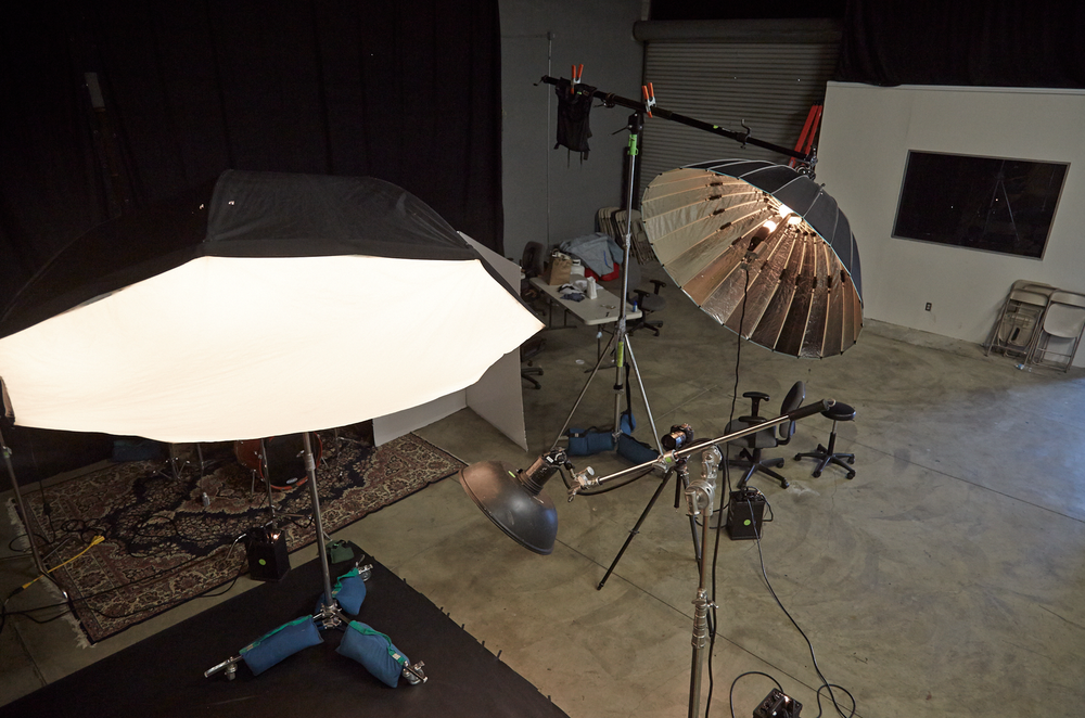 affordable-stage-photo-studio-strobe-lighting-profoto-broncolor-elinchrome-equipment-los-angeles-ca..png