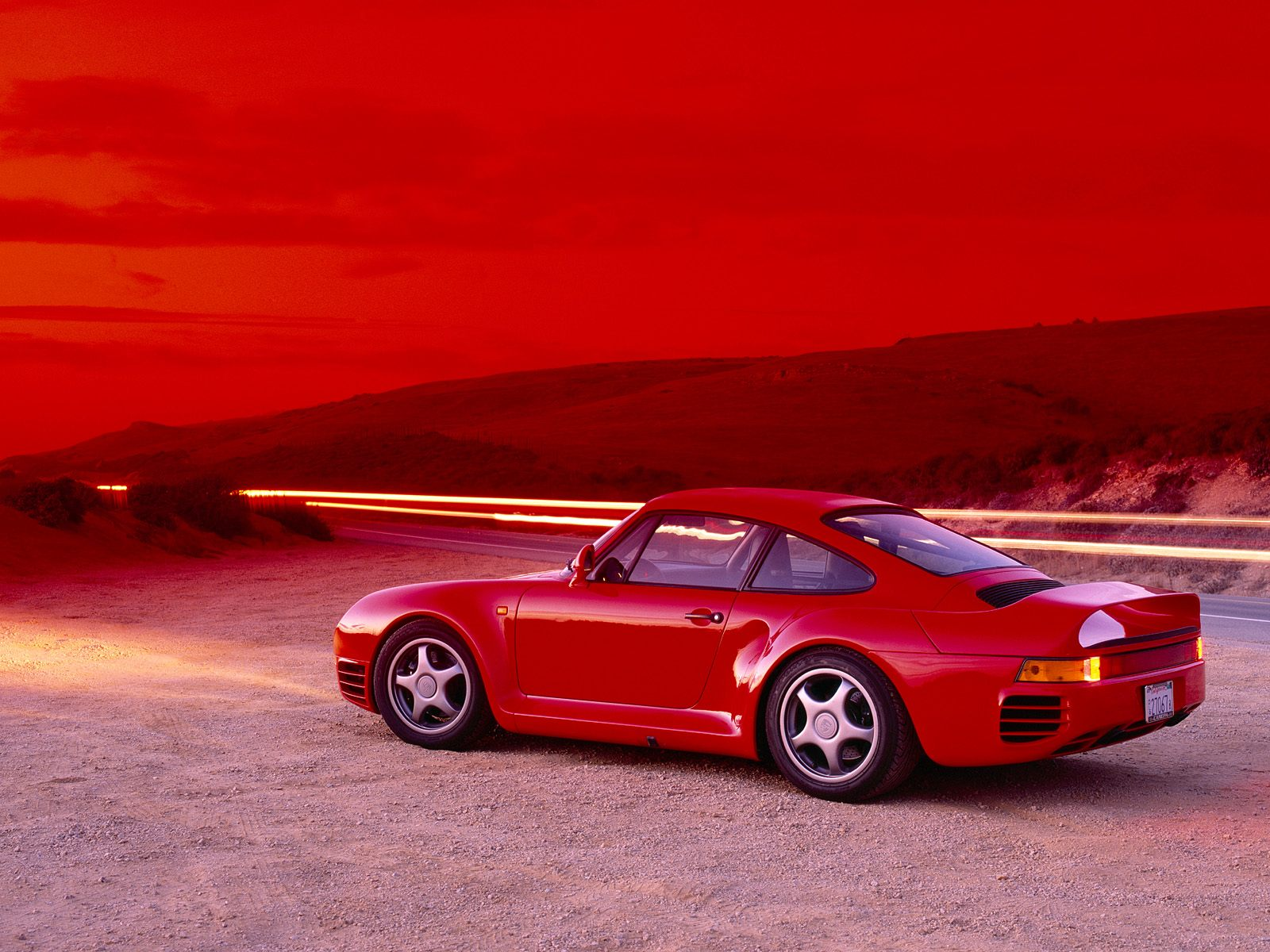 red racer porsche 959 - Retro Gallery Archive (Full Size)