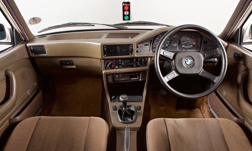 BMW 520i (E28) 1981u20131988