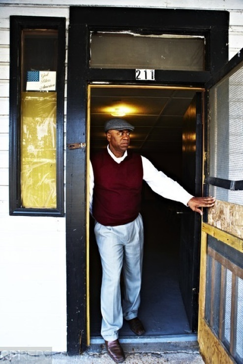 Repast_2695_Larry_Griggs_Doorway_at_Booker's_Place_RT.jpg