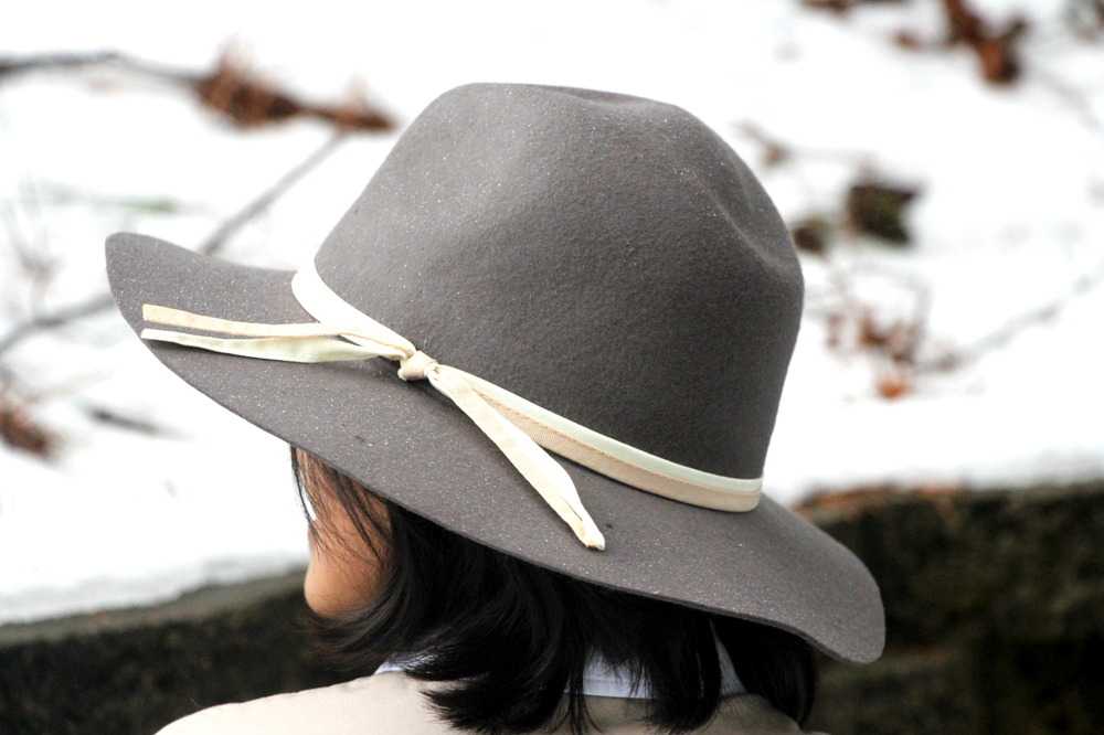 gray-panama-hat-with-ribbon.jpg
