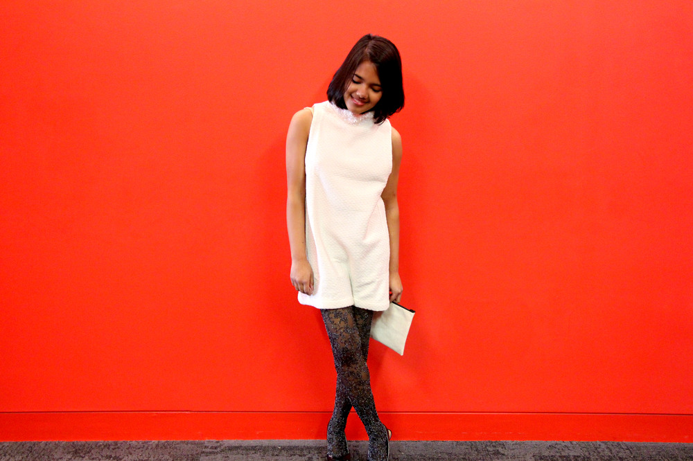 urban-outfitters-tunic-top-red-wall