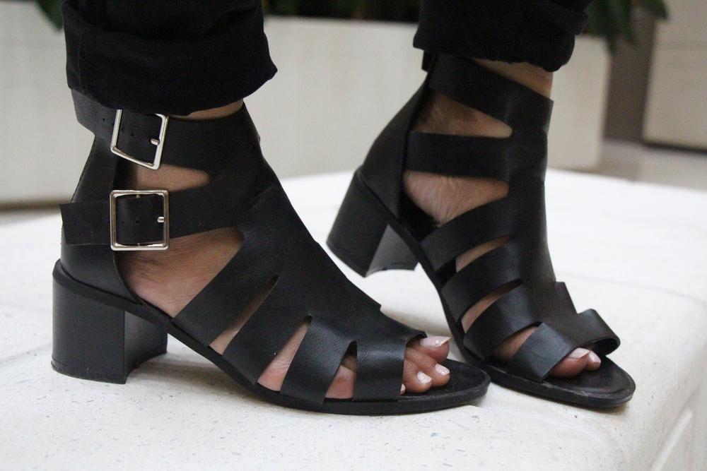 black-gladiator-mid-heels