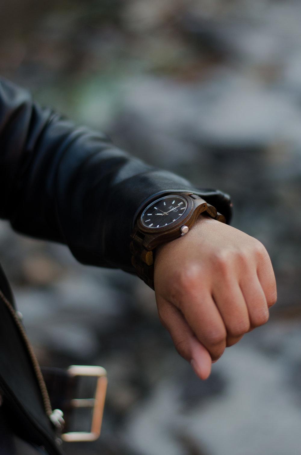 """<!-- JORD WOOD WATCHES WIDGET START -->  <a id=""""woodwatches_com_widget"""" ishidden=""""1"""" title=""""Wooden Wristwatch"""">Wooden Wristwatch</a>  <script src=""""// www.woodwatches.com/widget-article/tooshortforhighfashion """" type=""""text/javascript""""></script>  <!-- JORD WOOD WATCHES WIDGET END -->"""