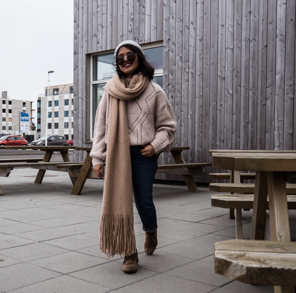 Petite Hiking Outfit - H&M Wool Sweater in Styykisholmer