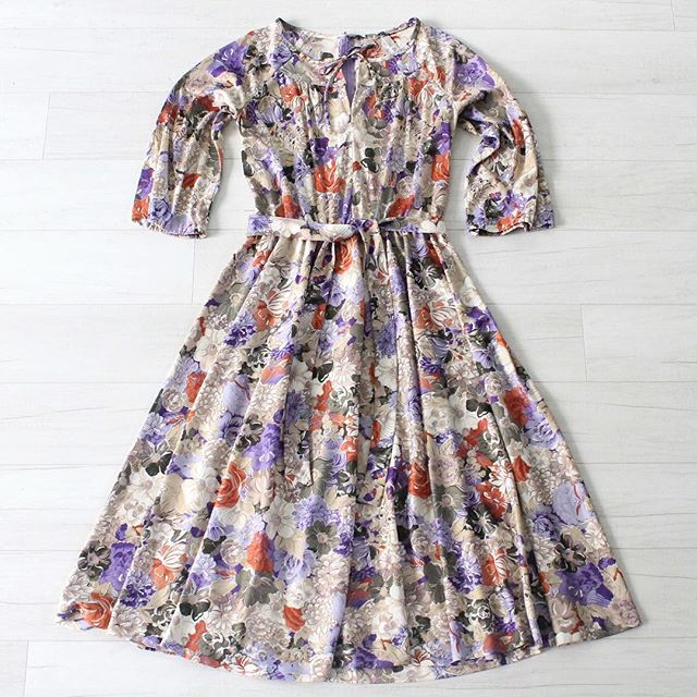"$25 + s&h vintage 1970s floral dress, lightweight polyester, matching tie belt, drawstring at neckline, zipper closure in the back, elastic on arms is slightly stretched out sz: small/medium bust: 36"" waist: 26"" to 36"" hips: free shoulders: 15"" bodice length: 16"" sleeve length: 18.5""  total length: 43""  #vintage #vintagestyle #vintagefashion #instashop #70sdress #vintage70sdress #vintagedress #70svintage #70sfashion #vintagefloraldress"
