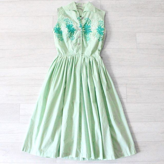 "$25 + s&h vintage 1950s light lime green day dress, cotton material, detailed embroidered flowers, button up bodice closure, belt loops at waistline, detailed button and bows at the back, no stretch, light discoloration overall (see additional pics) good condition, as-is  sz: x-small bust: 32"" waist: 24"" hips: free shoulders: 14"" bodice length: 15.5"" total length: 42""  #vintage #vintagestyle #vintagefashion #instashop #vintagedress #50sdress #50sfashion #vintagedaydress #floral #mint #mintgreen #daydress"