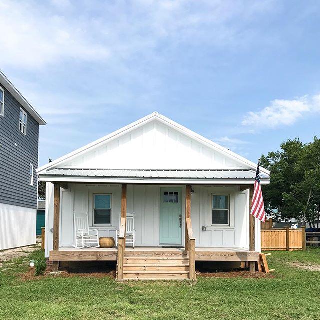 Found my dream beach house! 💕💕💕 #beachhouse #tinyhouse #beach