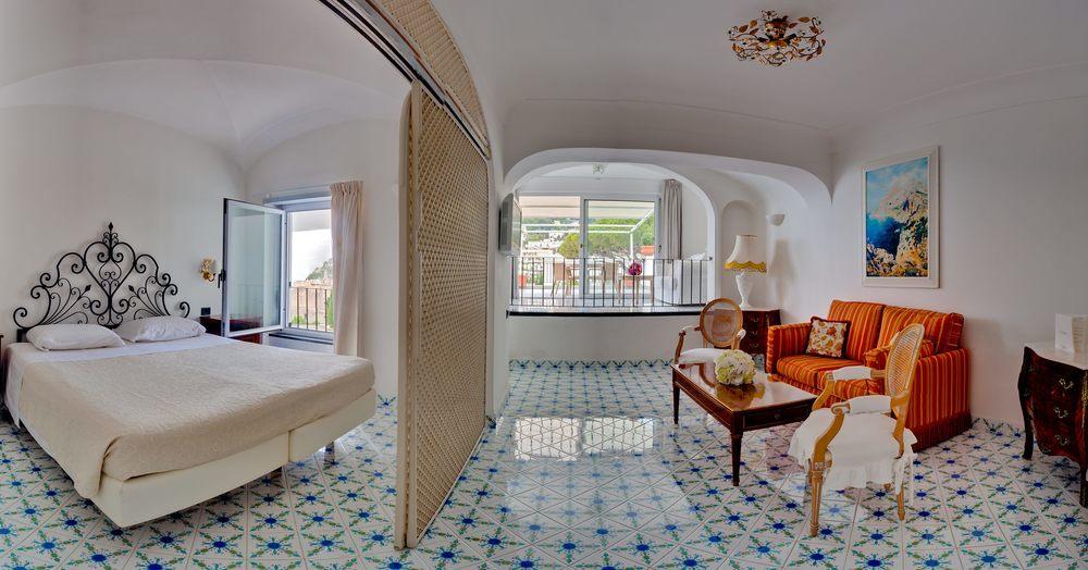 Hotel-Mamela-Capri-Italy-15.jpg