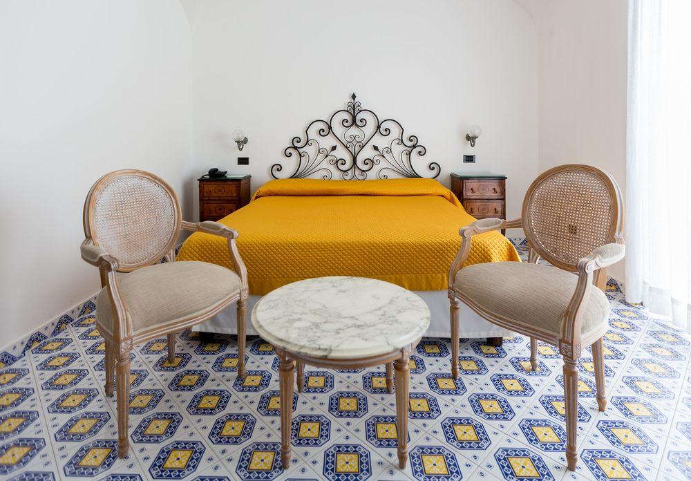 Hotel-Mamela-Capri-Italy-17.jpg