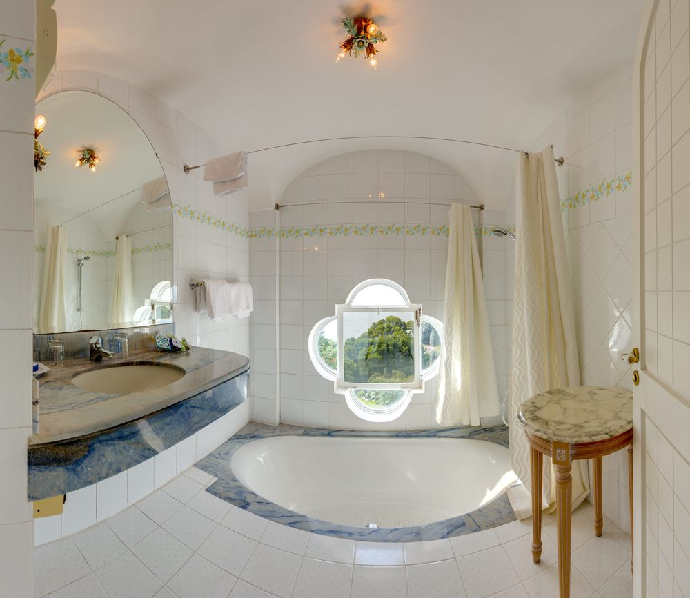 Hotel-Mamela-Capri-Italy-23.jpg