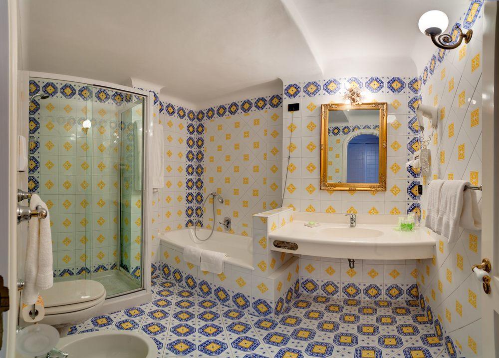 Hotel-Mamela-Capri-Italy-24.jpg