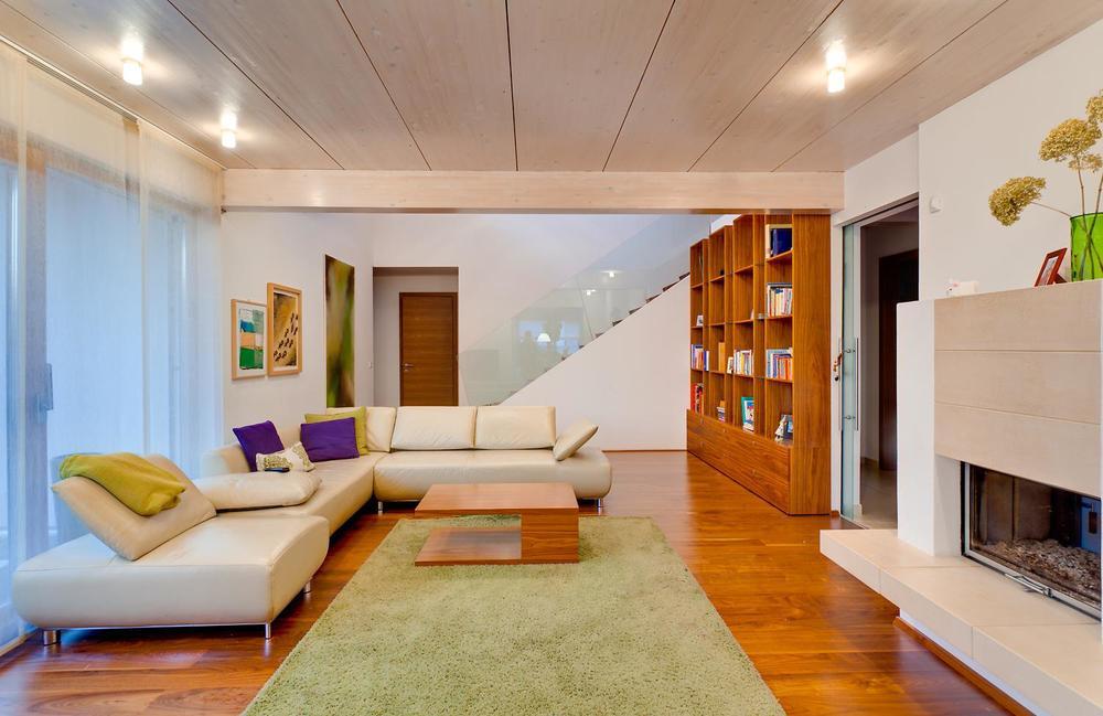 Individuelles Fertigteilhaus, Holzdecken, Innenausbau