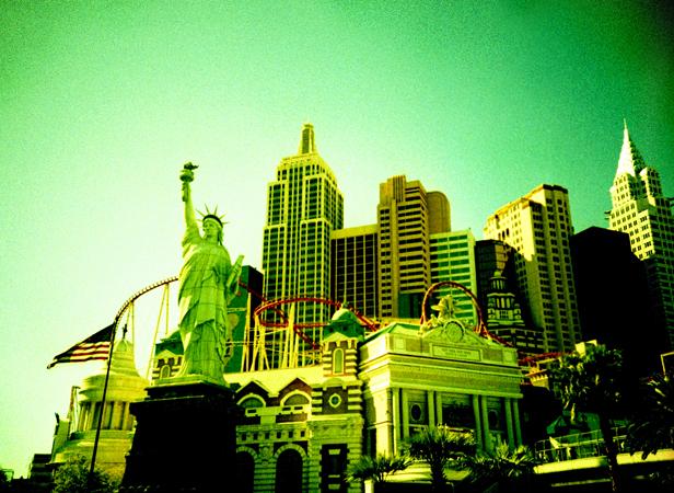VegasLomo4_0037.jpg