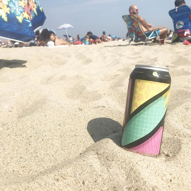 A @greenpoint.beer Assembly Not Required is tasting great on Beach 86.