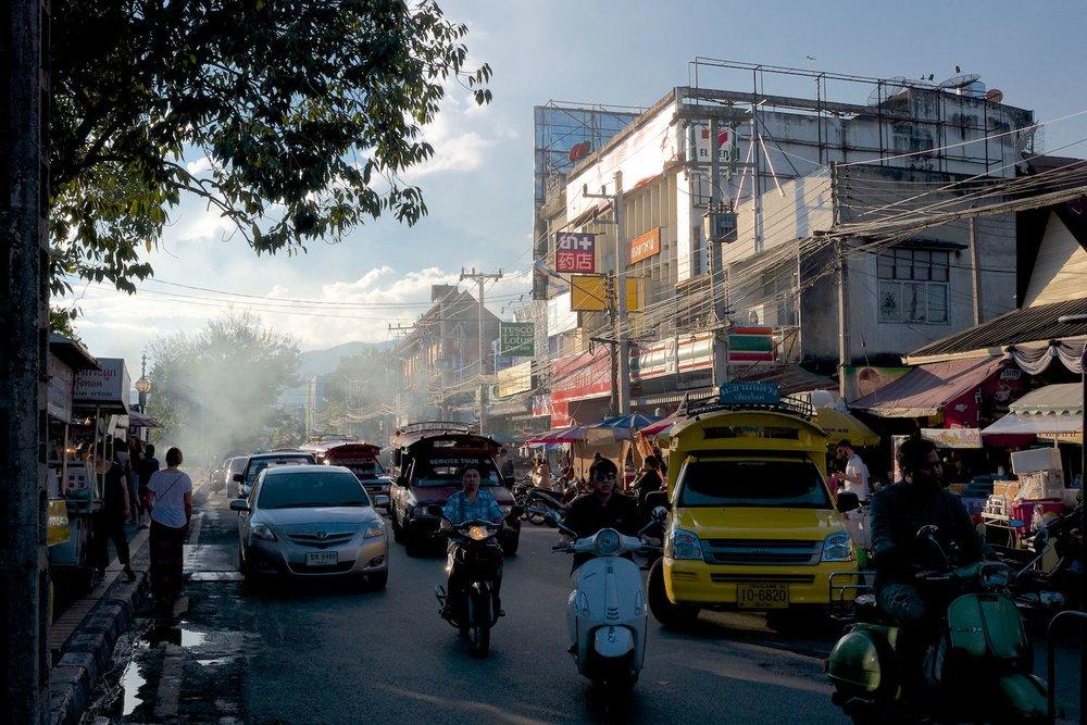 Bumrung Buri Market