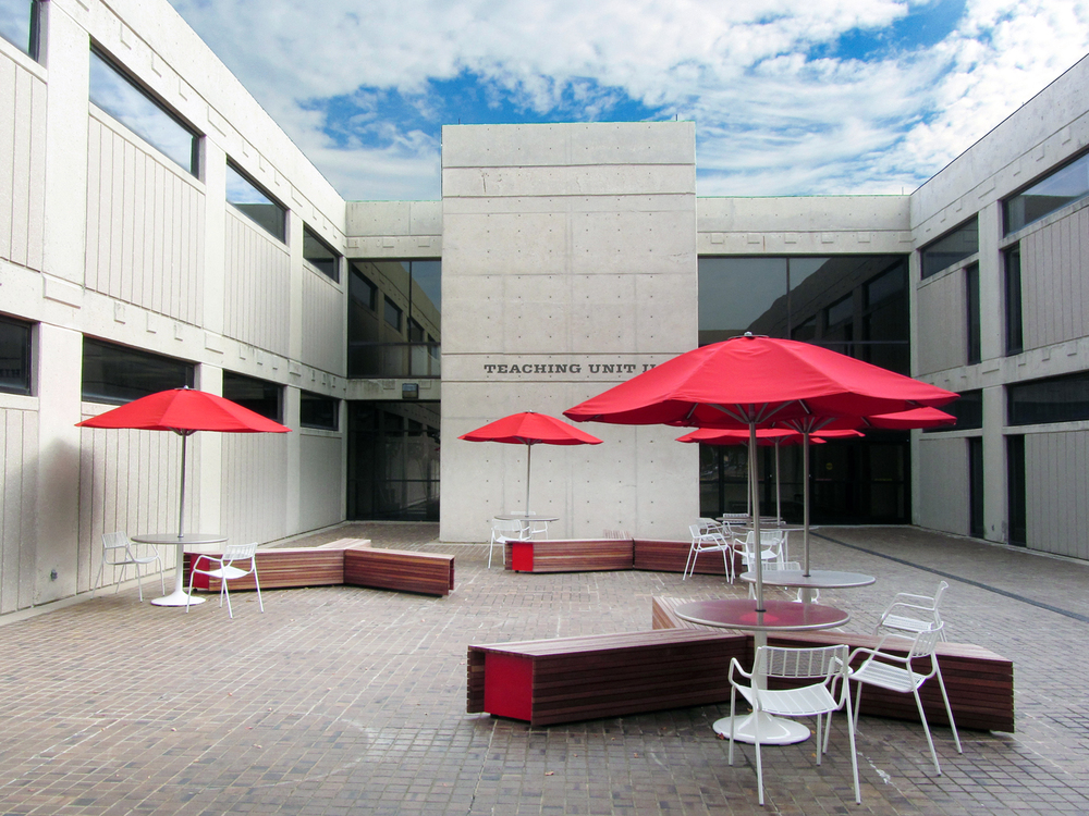 UH Law courtyard view 2.jpg