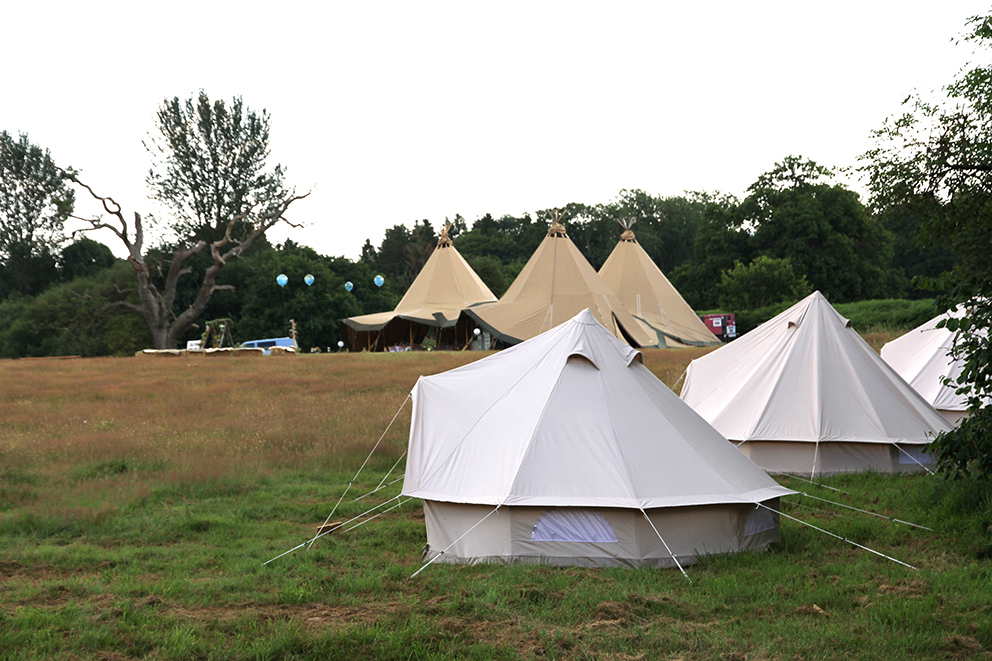 Tipi wedding glamping Fiesta Fields
