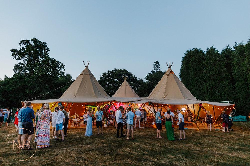 nadinevanbiljon_fiesta fields_tipi wedding-2.jpg